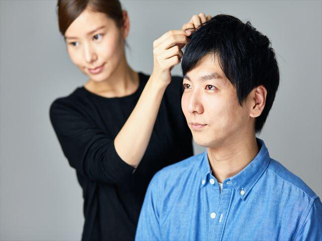 薬に頼らずに髪の悩みと向き合うなら!育毛サロンに注目